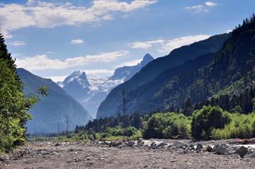 Заповедные зоны Кавказа, река Теберда вблизи поселка Домбай
