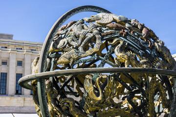Himmelsglobus am Palais de Nations der UN in Genf