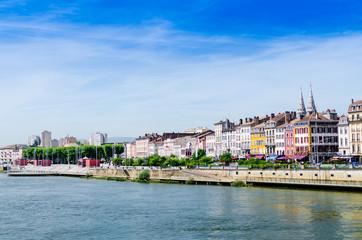 Macon, France, Bourgogne, quai Lamartine, paysage urbain, Saone