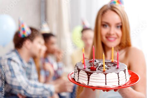 Конкурсы на день рождения сидя