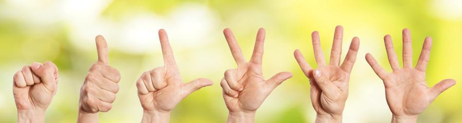 Hände zählen von 0 bis 5
