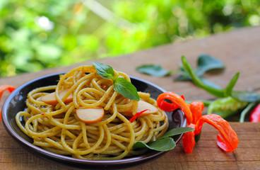Spaghetti  puff curry Thai.