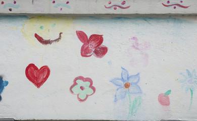 Bunte Blumen an der Wand