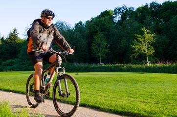 ausdauersport mit dem mountainbike