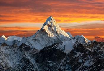 Fototapeta Ama Dablam on the way to Everest Base Camp obraz