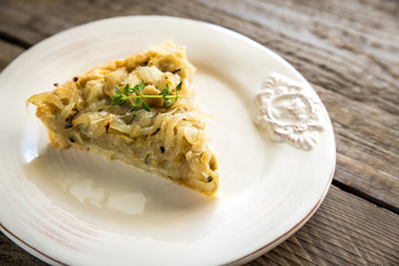French open onion pie