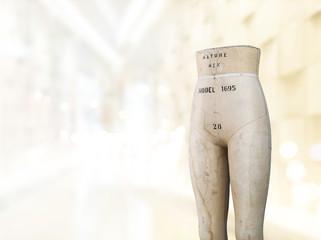 Old Tailors dummy, Mannequins vintage in showroom