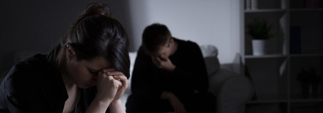 Siblings being in mourning