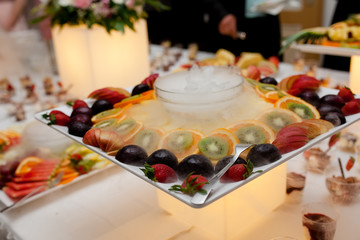 catering essen party obst
