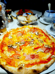 piza on the table