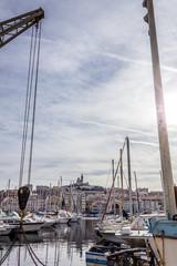 Voiliers dans le port de Marseille