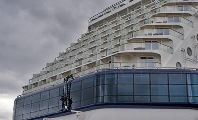 Window Cleaneron Ship