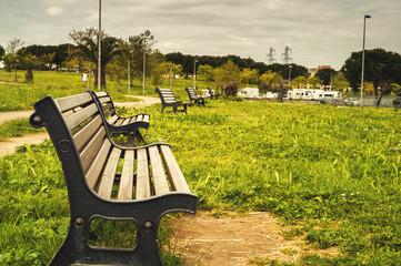 Panchine in un parco
