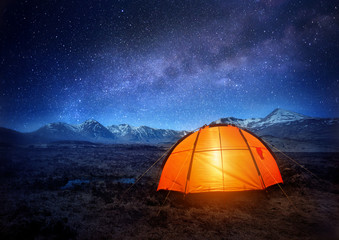 Photo sur Aluminium Camping Camping Under The Stars