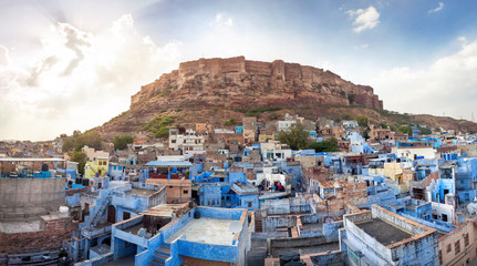 Photo sur Aluminium Fortification Blue city and Mehrangarh fort