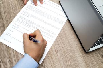 assunzione con firma del contratto di lavoro