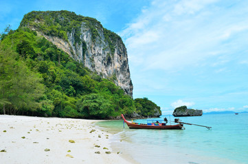 ÚBeach on poda island in Thailand