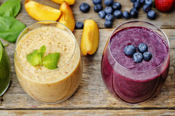 smoothie with blueberries and smoothies with peach