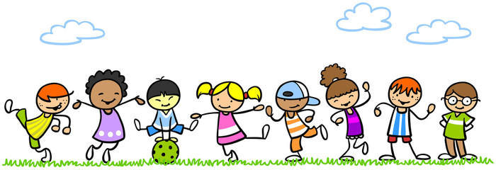 Lachende Kinder spielen in der Natur