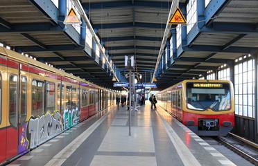 metro estación grafiti berlín 3328-f15