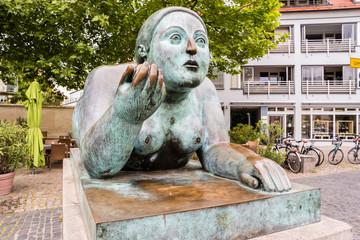 Dicke Dame Statue