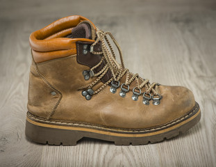Mens working or hiking boots in vintage look