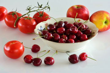 Aluminium Prints Grocery Kersen, appels en tomaten