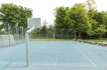 Basketball Spielfeld im Park