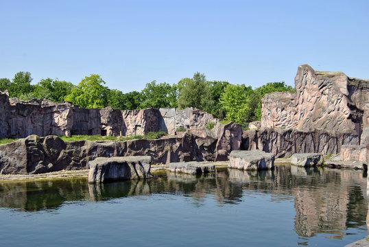 Felsen- und Wasserlandschaft