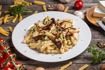 Pasta with cheese