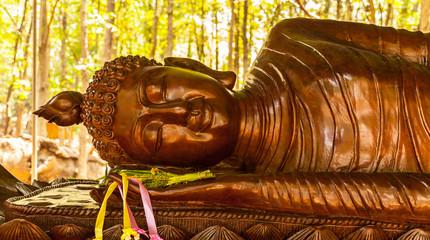 buddha sculpture in wood