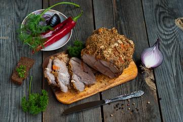 Буженина - запеченная свинина со специями