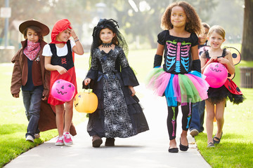 Children In Fancy Costume Dress Going Trick Or Treating Fototapete