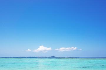 沖縄のビーチ・瀬底ビーチ