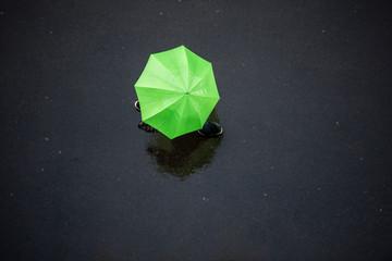 People in the Rain with Umbrellas, Bird's eye view.