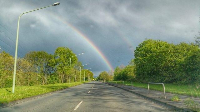 Straße zum Regenbogen