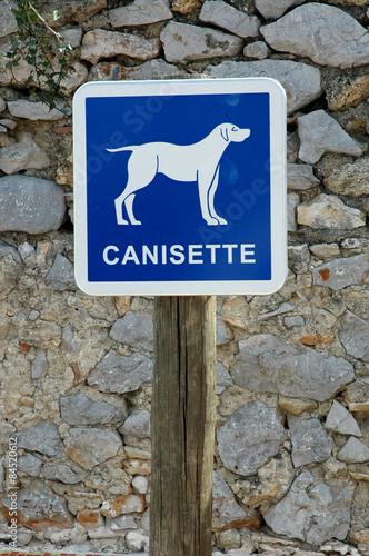 Canisette 23 photo libre de droits sur la banque d - Canisette pour chien ...