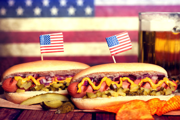 4th of July Picnic Table - Hot Dogs