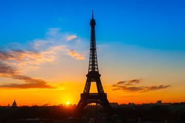 Autocollant pour porte Paris Eiffel tower at sunrise, Paris.