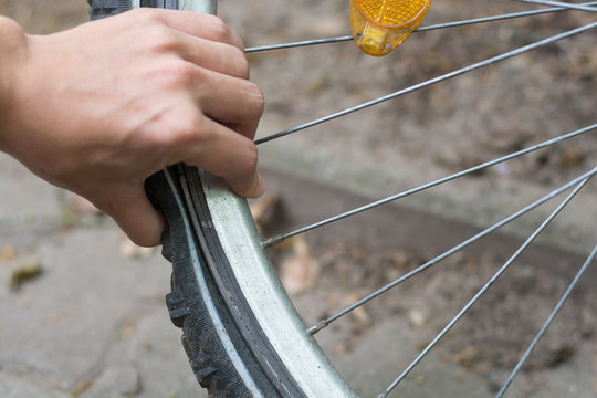 Flat tyre, Bicycle