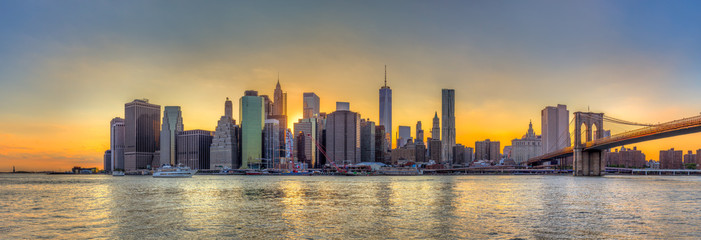 Wall Mural - Panorama view of New York City downtown skyline and Brooklyn bri