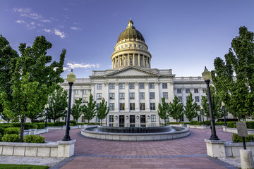 Fototapete - First light on the Utah state capital building