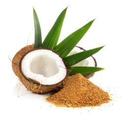 Kokosnuss mit Kokosblütenzucker