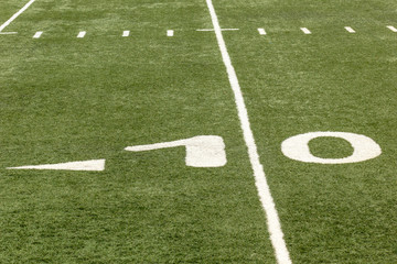 football field 10 yard numbers and line