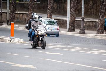 c1011b bikers in the city