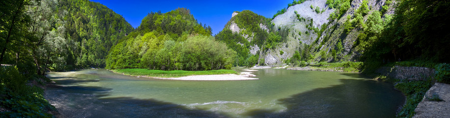 Panoramic view of the Dunajec mountain river