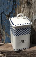 """Alte Vorratsdose """"Gries"""" aus keramik mit blauem Treibholz Hintergrund / Holz"""