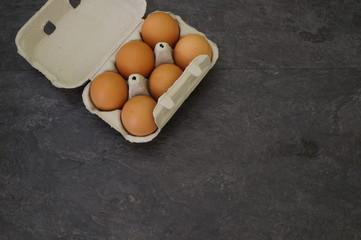 huevos en caja
