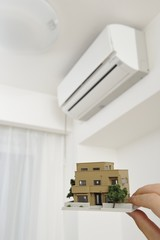 住宅模型とエアコン