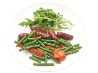 fried merguez sausages with green beans, tomatoes and fresh rocket